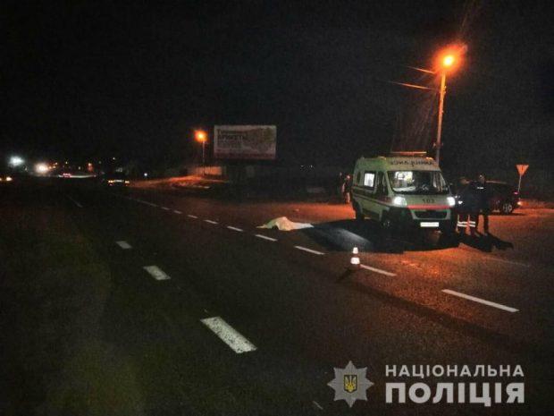 Автокатастрофа на Харьковщине: под колесами внедорожника погибли двое пешеходов