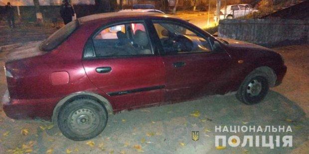 В Харькове клиент напал на таксиста и пытался угнать автомобиль