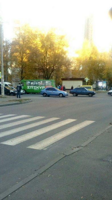 На Салтовке маршрутка сбила пешехода