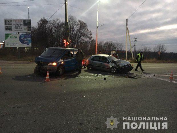 В аварии на Салтовке погибла женщина