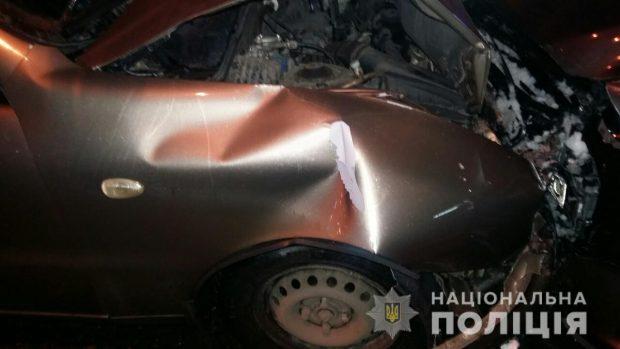 В центре Харькова столкнулись три автомобиля