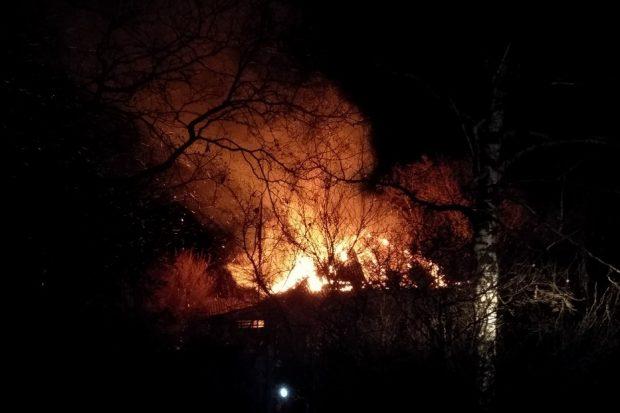 Под Харьковом выгорел старий деревянный дом: погибла старенькая бабушка