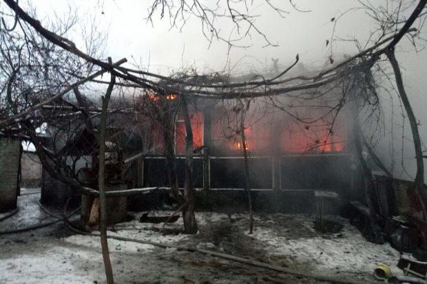 Под Харьковом из-за неосторожности с огнем сгорел дом, погиб мужчина