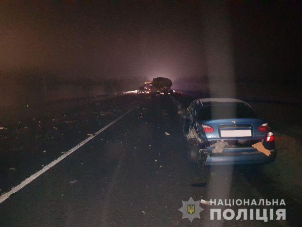Под Харьковом столкнулись две фуры