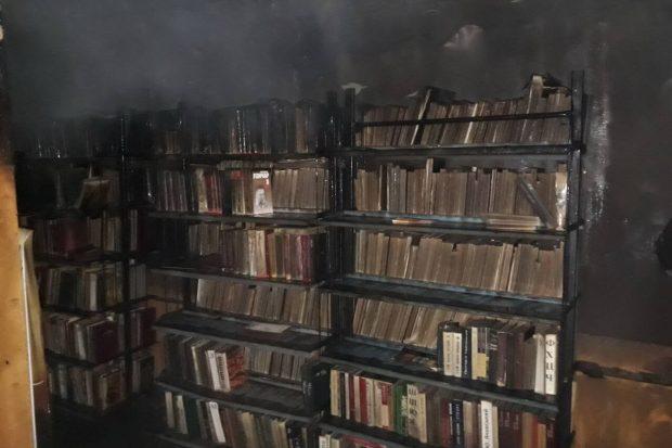 Под Харьковом горела библиотека и едва не загорелся дом культуры