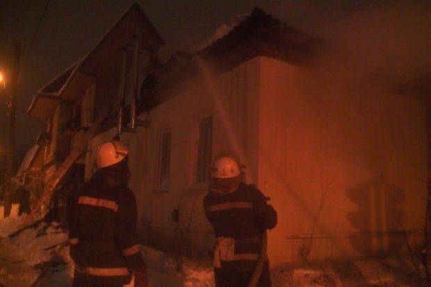В центре Харькова выгорела крыша частного дома
