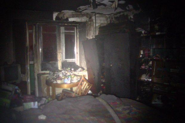 Пожар в жилом доме Харькова: спасатели вывели 17 человек, один человек погиб