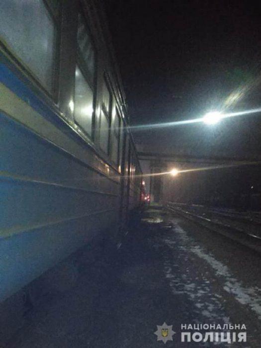Под Харьковом электричка переехала мужчину, который лежал на путях