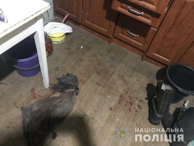 В Харьковской области жена из-за ссоры едва не зарезала мужа