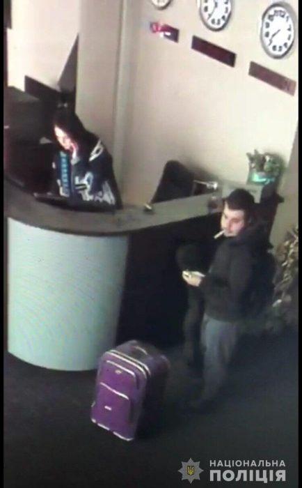 Полицейские опубликовали фото убийцы студенток на Салтовке