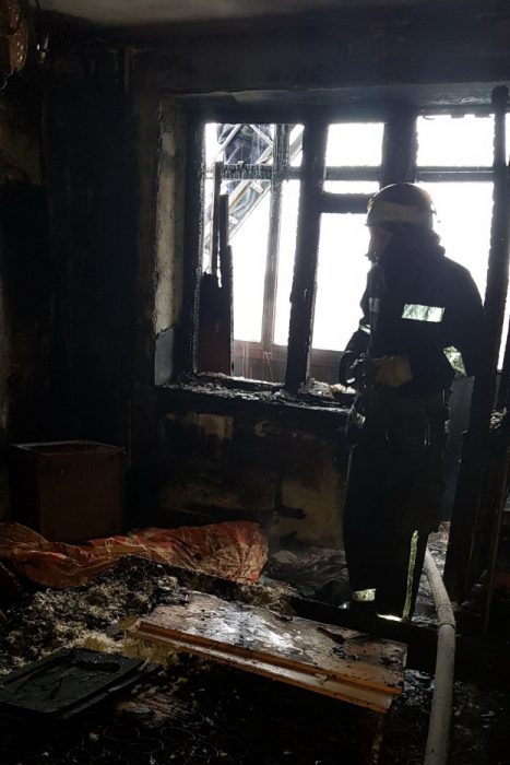 В харьковской многоэтажке горела квартира