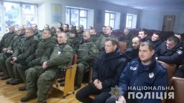 Полиция с нацгвардейцами вышла на усиленное патрулирование Харькова