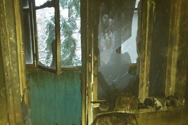 На Салтовке горела квартира в девятиэтажке: спасли двоих человек