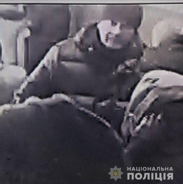 Убийство девочки под Харьковом: неизвестный мужчина продал телефон погибшей