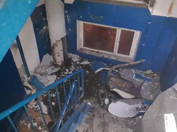 В многоэтажке Харькова из-за пожара разорвало трубу мусоропровода