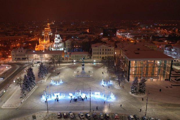 В Харькове начинают демонтировать новогоднюю иллюминацию