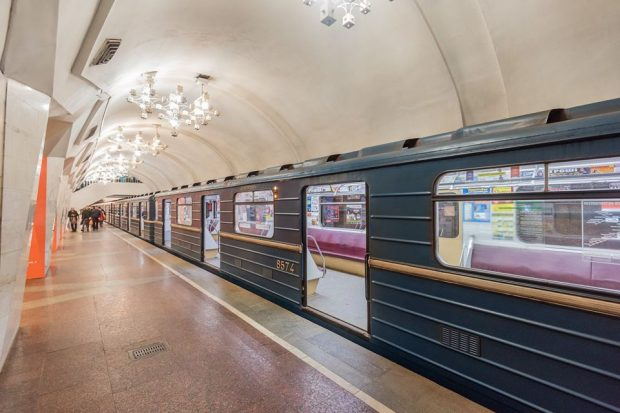 В Харькове остановилась линия метро