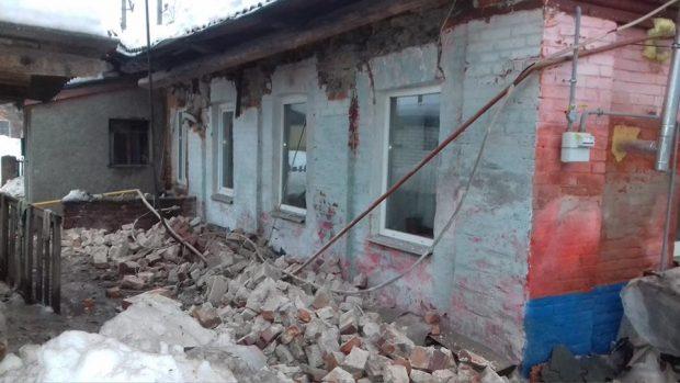В старом доме под Харьковом рухнула крыша