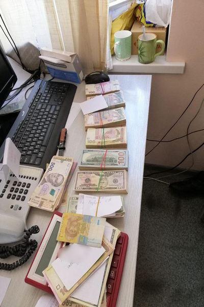 В Харьковской области разоблачили масштабную схему подкупа медслужб, которые за откаты помогали выигрывать тендеры