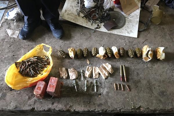 Житель Харьковщины хранил дома незаконный арсенал оружия