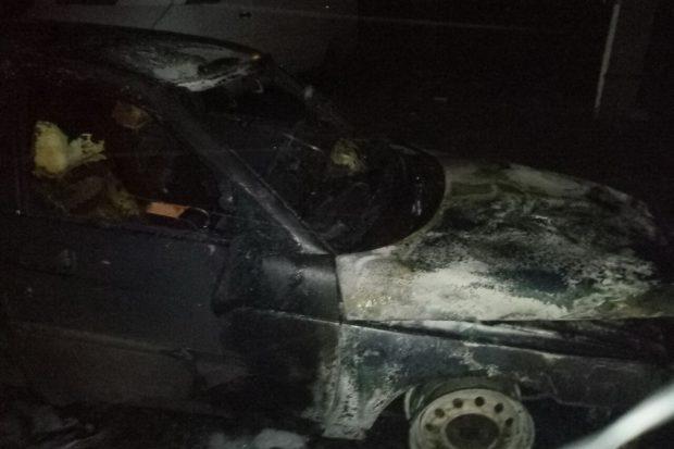 На Салтовке ночью сгорел ВАЗ-2110