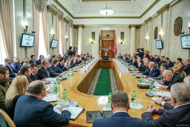 Среднемесячная зарплата в Харьковской области за год выросла более чем на 22%