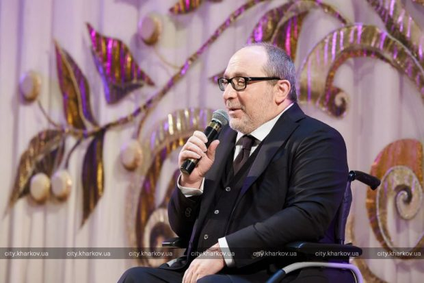 Мэр Харькова в четвертый раз стал дедушкой