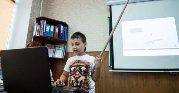 В Харькове девятилетний рекордсмен прочитал лекцию по биологии семиклассникам