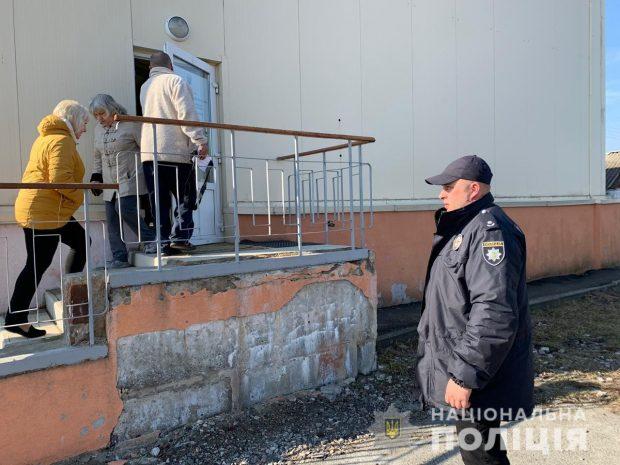 На избирательных участках в Харьковской области зафиксировали 185 нарушений