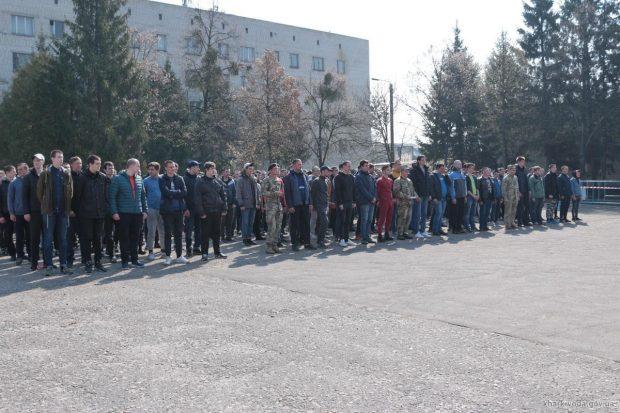 Харьковский областной военкомат отправил первую команду срочников