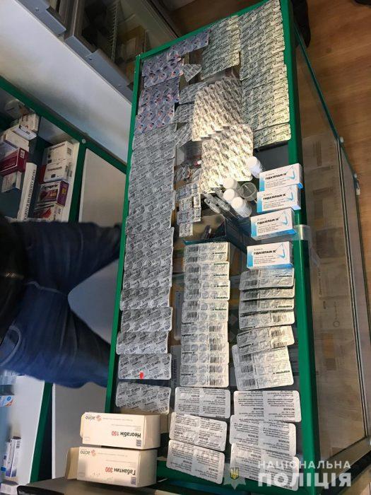 В харьковской аптеке незаконно торговали наркосодержащими препаратами