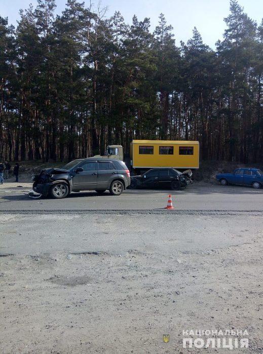 В результате автокатастрофы в Харьковской области пострадал один человек