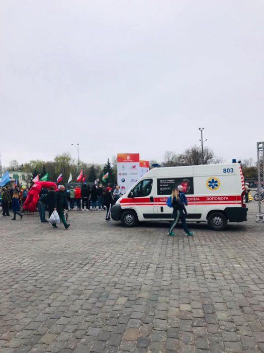 Участники марафона в Харькове шесть раз обращались к медикам