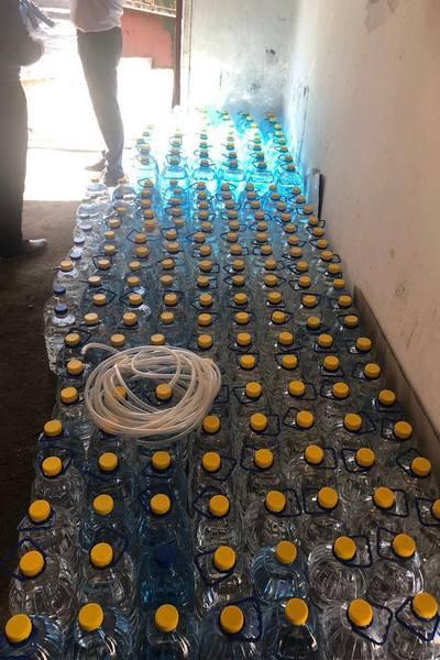 В гараже под Харьковом хранилось более тонны контрафактного алкоголя