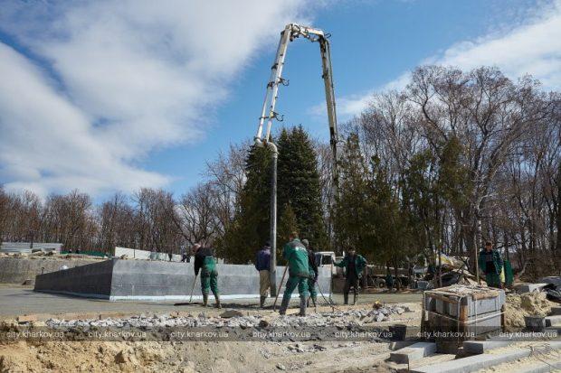 В саду Шевченко создают новые фонтаны, озеро и детскую площадку