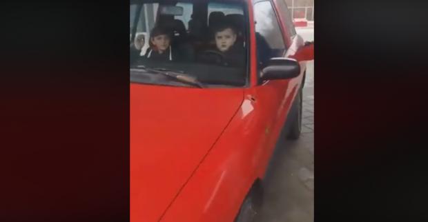 Под Харьковом на заправку за рулем авто приехал ребенок