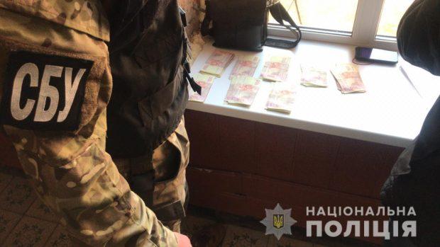 В Харьковской области при получении взятки задержали командира взвода воинской части (фото)