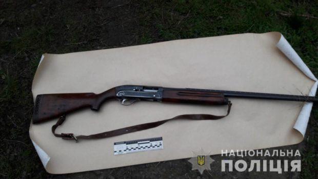 Под Харьковом мужчина из ружья выстрелил себе в грудь