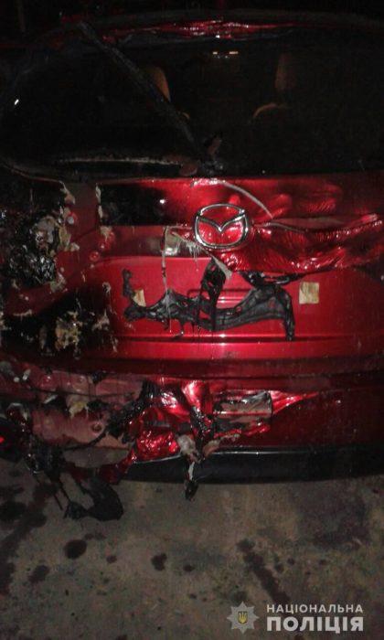 Под Харьковом у мужчины ночью сгорело сразу два авто