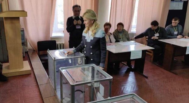 Юлия Светличная проголосовала на выборах Президента Украины