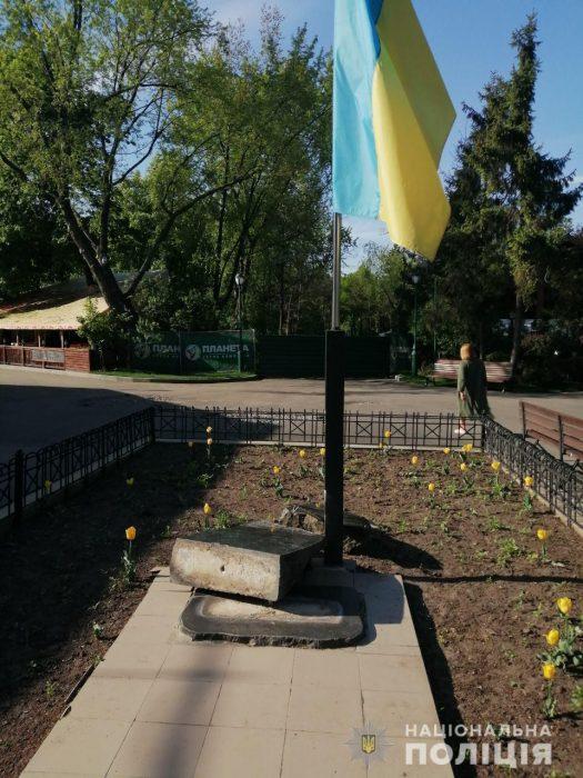 В центре Харькова разбили памятник в честь провозглашения независимости Украины