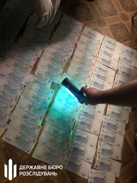 Харьковского чиновника фискальной службы поймали на взятке в 45 тысяч гривен