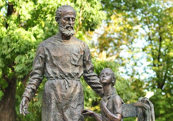 Памятник Леонарду Гиршману