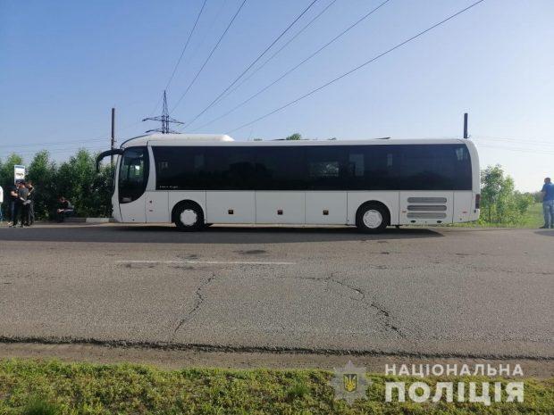"""В автобусе """"Харьков-Чугуев"""" пьяный мужчина угрожал взорвать себя"""