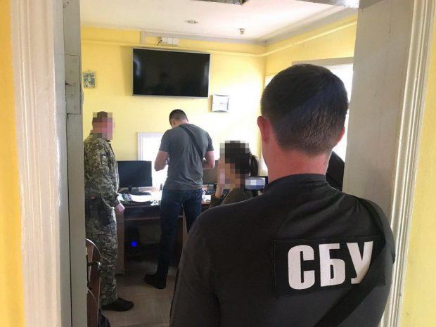 На Харьковщине СБУ разоблачила на взятках чиновника Госпогранслужбы