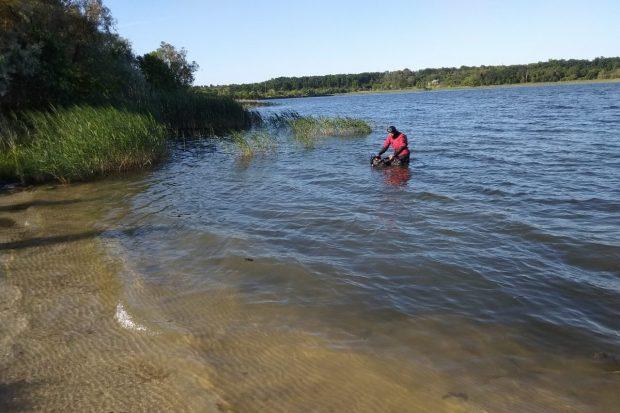 Под Харьковом спасатели извлекли из воды утопленникаПод Харьковом спасатели извлекли из воды утопленника