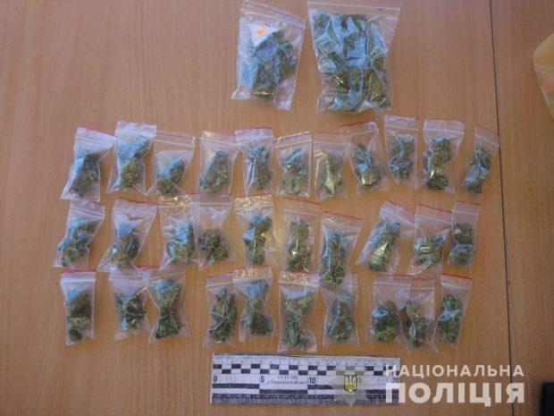 Под Харьковом у пассажира автобуса нашли наркотики