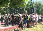 Активисты сорвали возложение цветов к снесенному бюсту Жукова