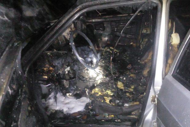 На Салтовке ночью сгорело три автомобиля