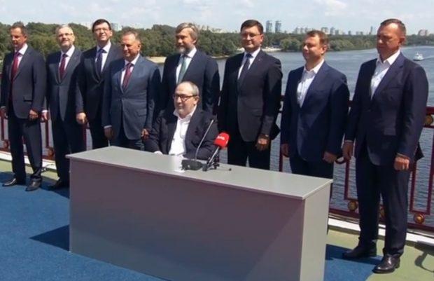 Партия Кернеса и Труханова идет на выборы вместе с «Опоблоком» и «Возрождением»